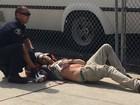 Ao menos dois são esfaqueados em manifestação da Ku Klux na Califórnia