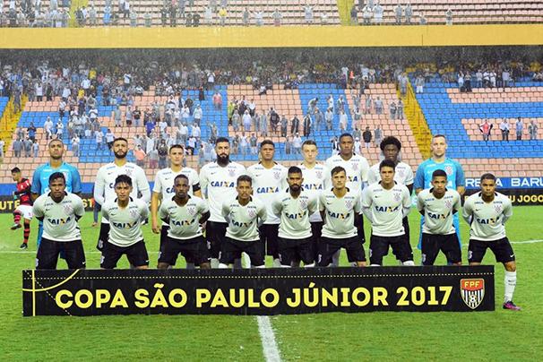 Corinthians disputa contra o Batatais (Foto: Reprodução GE)