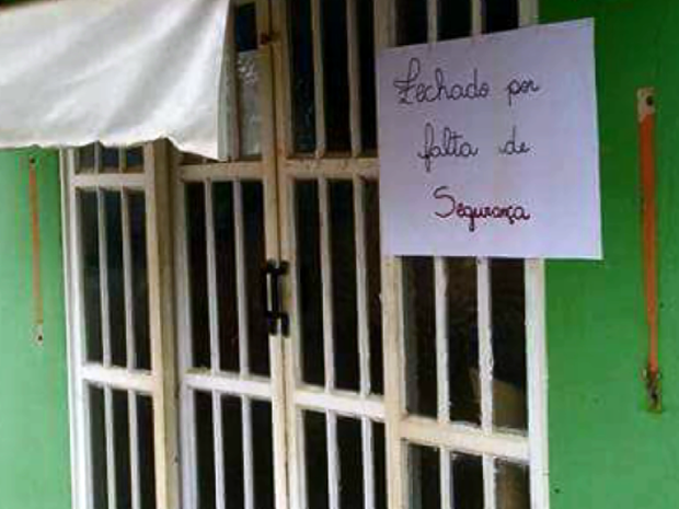 Moradores protestaram por mais segurança no distrito de Cavacos, em Alterosa (Foto: Reprodução EPTV)