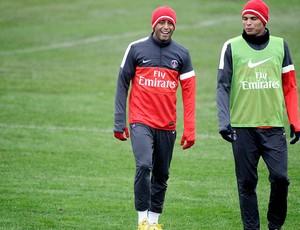 Lucas e Thiago Silva no treino do PSG (Foto: AFP)