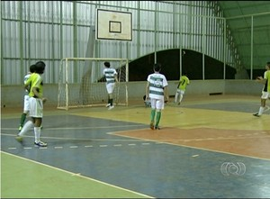 Ases IFTO massacra o Coc por 21 x 2 no Estadual de Futsal Sub-17 (Foto: Reprodução/TV Anhanguera)
