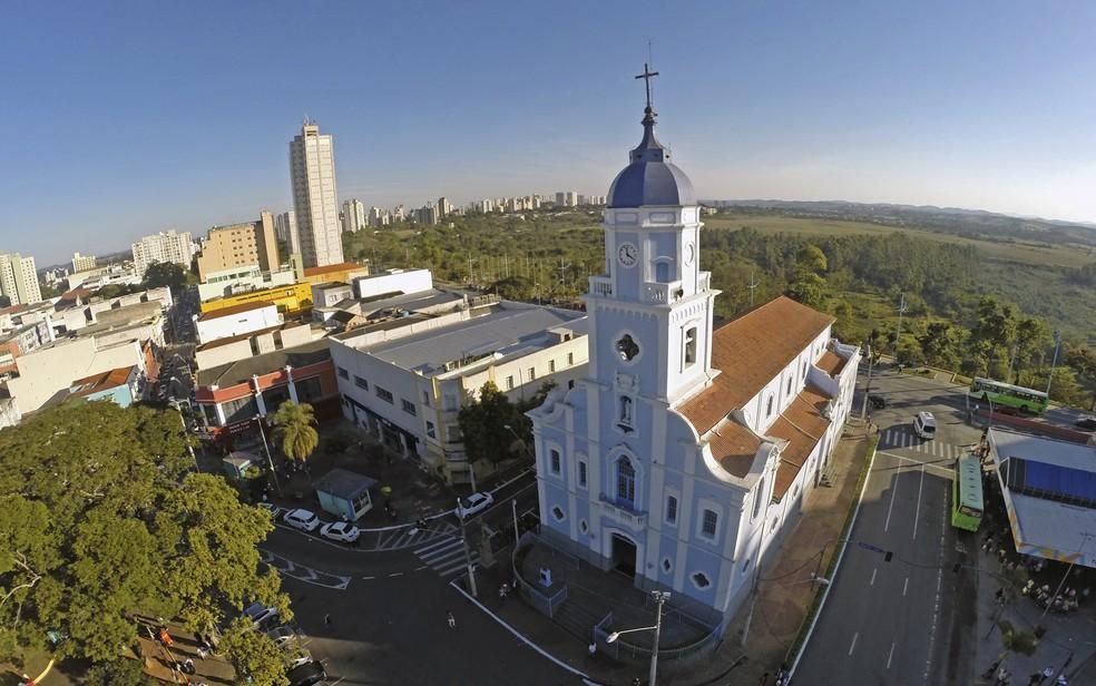 Medidas impostas às igrejas vão até o final do inverno, segundo a diocese (Foto: Marcos Rocha)