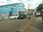 Mulher é baleada durante assalto a escola de inglês em Rio Branco