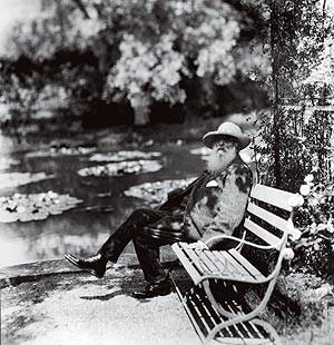 Claude Monet descansa em seu Jardim d'Água (Foto: Divulgação)