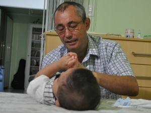Para cuidar do bebê antes do benefício, Luiz pediu férias e folgas  (Foto: Laura Toledo/G1MS)