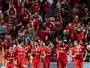 Mitroglou volta, faz dois gols e leva Benfica à liderança do Português