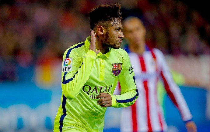 Neymar comemora gol do Barcelona contra o Atlético de MAdrid (Foto: Getty Images)