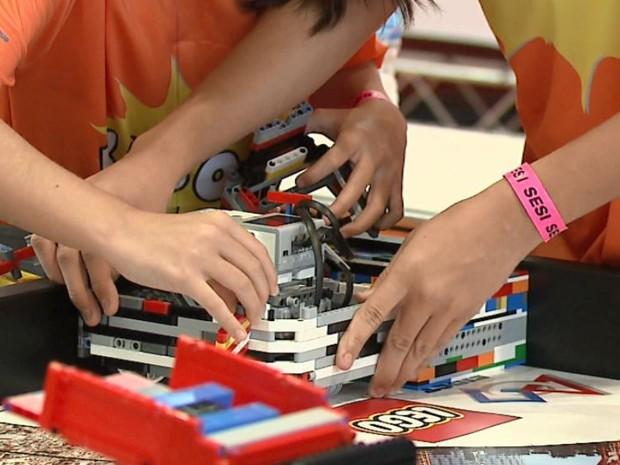 Torneio de Robótica em Araras vai até domingo no Sesi (Foto: Felipe Lazzarotto/ EPTV)