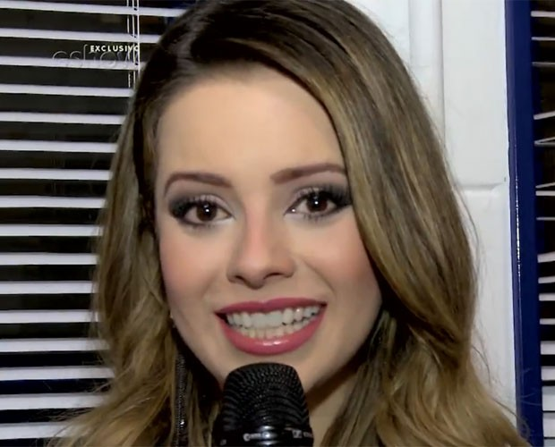 Sandy se emociona com homenagens das bandas aos seus 25 anos de carreira (Foto: Gshow/TV Globo)