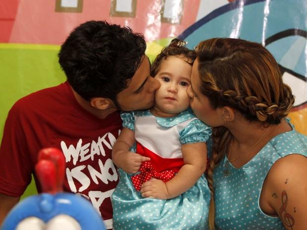 Perlla comemora um ano da filha, Pérola (Foto: Marcos Ferreira / Foto Rio News)