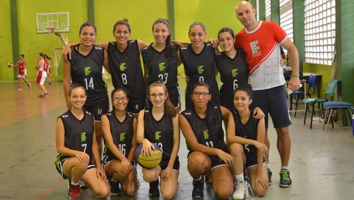 Equipe feminina de basquete do IFRR conquista o ouro na etapa norte dos JIFs (Foto: IFRR/CAM)