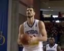 Após semana na D-League, Splitter é chamado pelos Sixers de volta à NBA