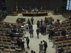 Batalha por votos sobre impeachment é acirrada entre deputados