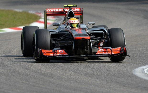 Lewis Hamilton lidera terceiro treino livre para GP da Itália, em Monza (Foto: AFP)