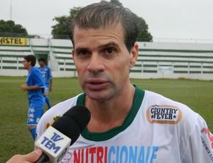 Túlio Maravilha concede entrevista após estreia pelo Tanabi (Foto: Marcos Lavezzo / GLOBOESPORTE.COM)
