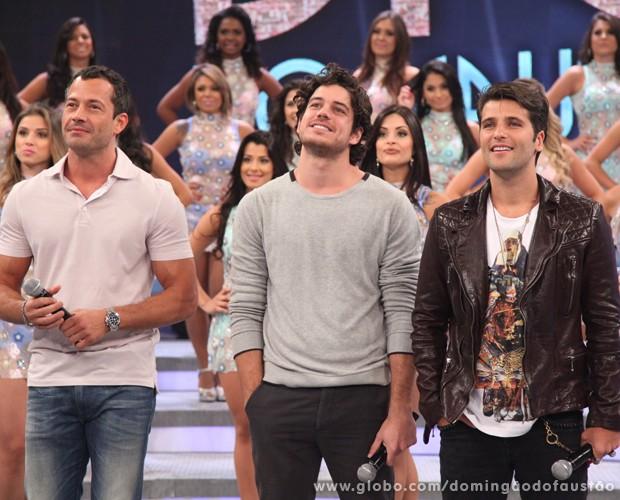 Atores participam do Divã do Faustão (Foto: Domingão do Faustão / TV Globo)