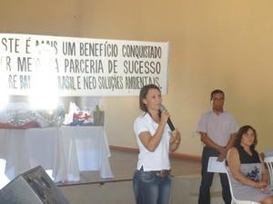 A gestora ambiental, Aline Alves de Souza, durante palestra sobre o CAR. (Foto: Arquivo Pessoal)
