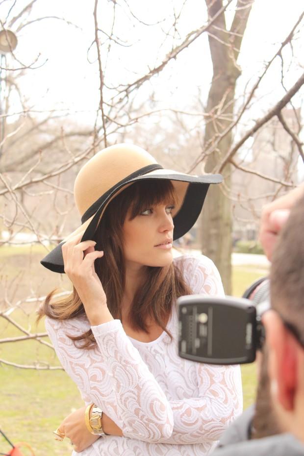 Luciana Curtis estreia campanha de moda gestante (Foto: Tavinho Costa)