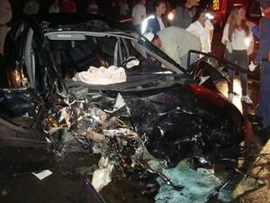 Quatro pessoas morreram e duas ficaram feridas (Foto: PRF/Divulgação)