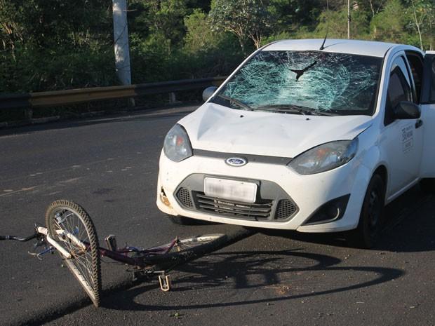 Atropelamento foi na tarde desta segunda-feira (5) (Foto: Ermeson Rodrigues/Panorama Notícias/Cedida)