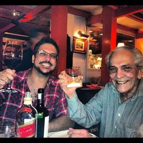 Lúcio Mauro e Lúcio Mauro Filho durante jantar comemorativo (Foto: Reprodução/Facebook)