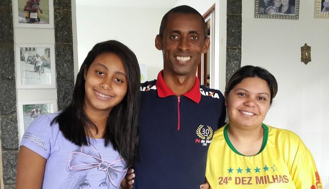 Família é maior incentivadora do atleta Giovani dos Santos (Foto: Lúcia Ribeiro)
