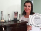 Aos 48 anos, mulher é destaque em tiro ao alvo e coleciona troféus