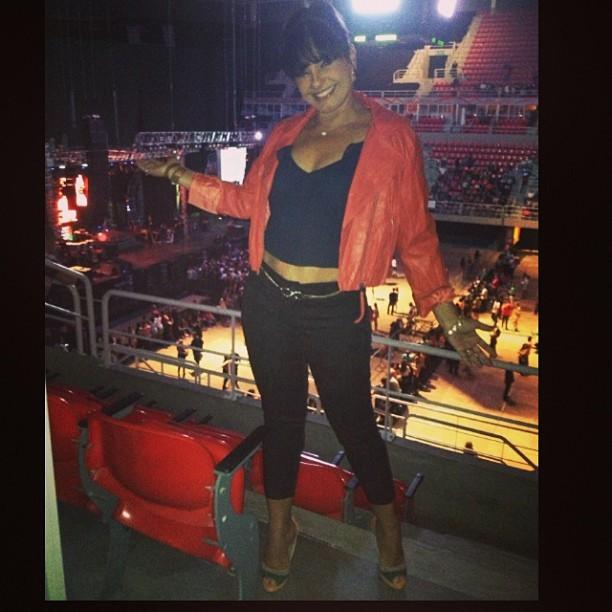 Solange Couto chega pra o show de Ivete Sangalo no Rio (Foto: Reprodução/ Instagram)