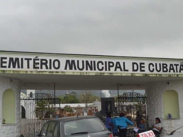 Vereadores investigarão sumiço de corpos em cemitério de Cubatão, SP (Foto: Guilherme Lucio / G1)
