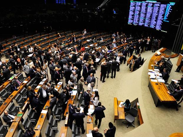 Deputados no plenário da Câmara durante a votação da MP 651 (Foto: Luis Macedo / Câmara dos Deputados)