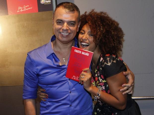 Fausto Galvão e Sheron Menezzes em evento na Zona Sul do Rio (Foto: Marcos Ferreira/ Brazil News)