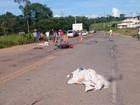 Acidente entre moto e caminhonete deixa casal morto na GO-010