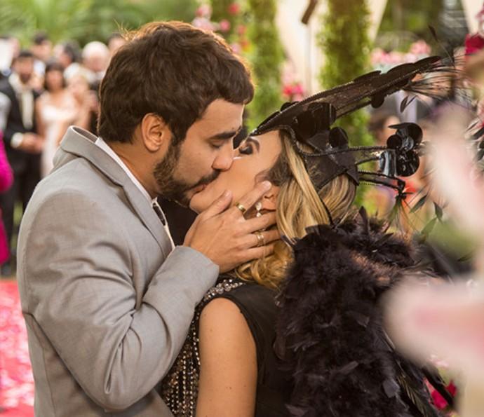 Fedora e Leozinho se casam! (Foto: Fabiano Battaglin/Gshow)