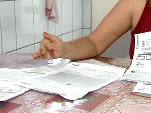 Moradores disseram que pagaram as contas com multa em Araraquara (Foto: Reprodução/EPTV)