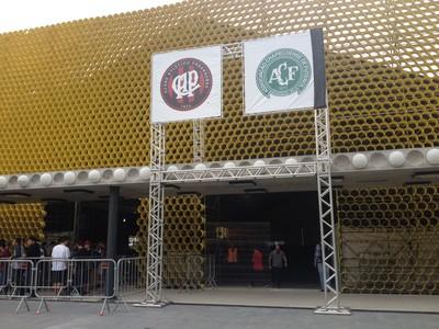 Atlético-PR (Foto: Fernando Freire)