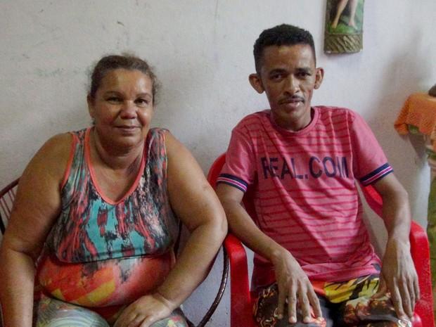 Mãe e filho contam como conseguiram superar, juntos, o vício das drogas (Foto: Luis Vitor Melo/G1)