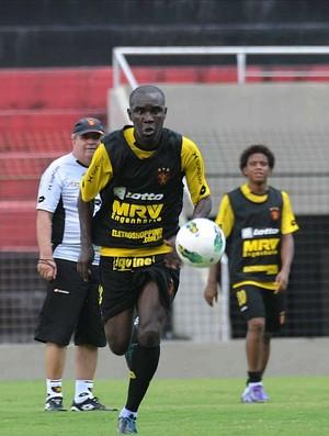 hugo sport treino (Foto: Aldo Carneiro / Pernambuco Press)
