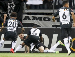 Tiago; Atlético-MG (Foto: REUTERS/Washington Alves)