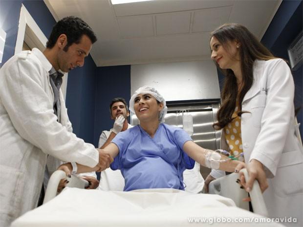 Imaginem só como vai ser esse parto... (Foto: Amor à Vida/TV Globo)