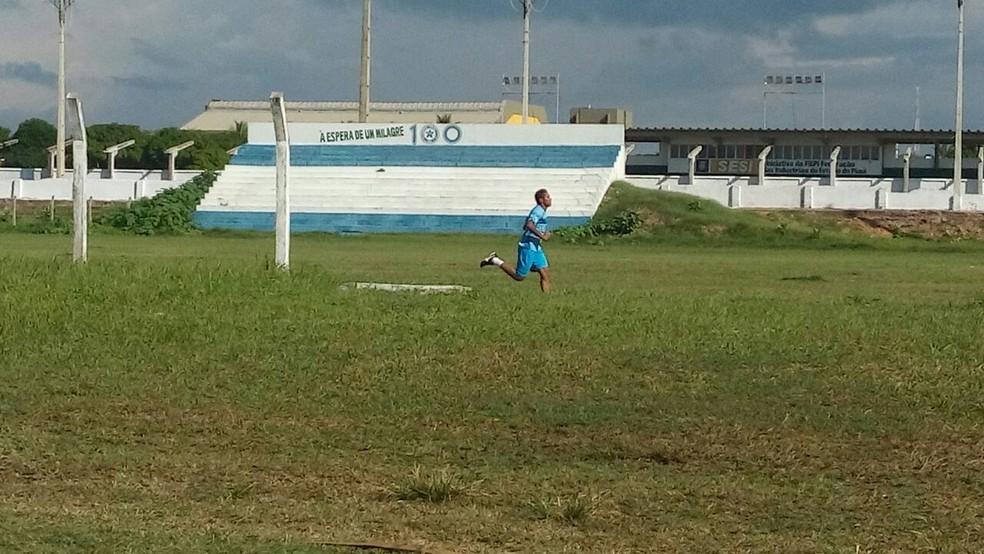 Jefferson Maranhense em treino  no CT  (Foto: Didupaparazzo)