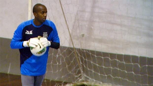 Edson Bastos, goleiro da Ponte Preta (Foto: Reprodução EPTV)