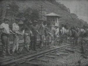 Trilhos de trem se desnvolveram junto com a agricultura  (Foto: reprodução/TV Tem)