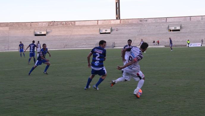 Santa Cruz-PB x Atlético de Cajazeiras, no estádio Almeidão (Foto: Amauri Aquino / GloboEsporte.com/pb)