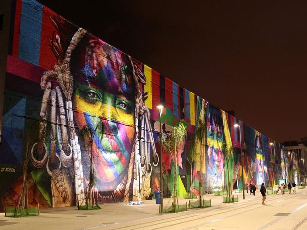 Mural 'Etnias', do artista Kobra, no Boulevard Olímpico da Praça Mauá (Foto: Gael/Riotur)
