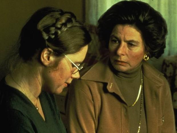 Ao lado de Liv Ullmann, Ingrid Bergman aparece em cena de 'Sonata de outono' (Foto: Divulgação/Criterion)