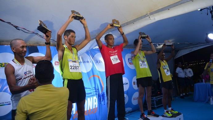 Meia Maratona João Pessoa, pódio, masculino  (Foto: Pedro Alves/GloboEsporte.com)