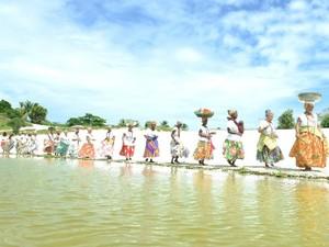 Grupo é formado por antigas lavadeiras da Lagoa do Abaeté (Foto: Ricardo Prado/Divulgação)