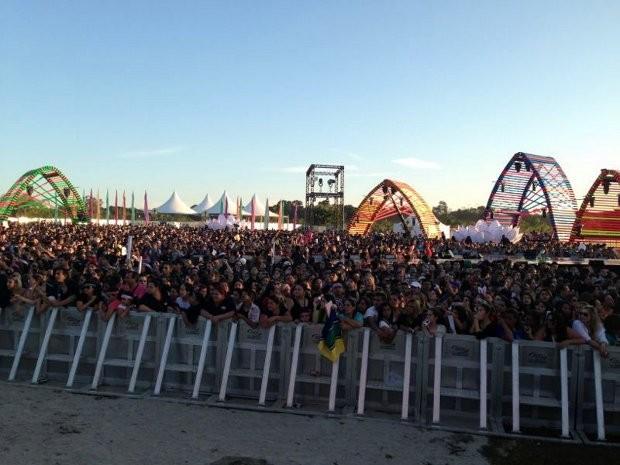 Gravação do DVD do cantor Luan Santana reuniu cerca de 18 mil pessoas (Foto: G1 / Natália de Oliveira)