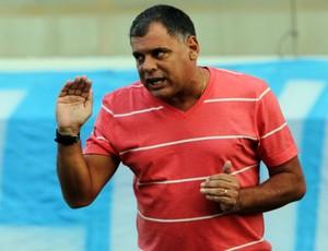 Toninho Andrade passa instruções (Foto: Tiago Ferreira / Assessoria)