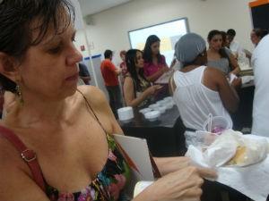 Dona de restaurante, Márcia aproveitou para experimentar tudo (Foto: Ana Carolina Levorato/G1)